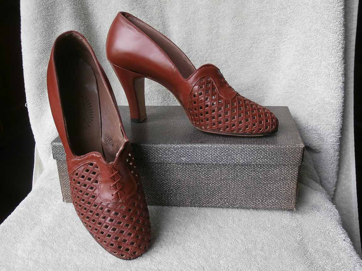 77eabc77b9a57 Details about NOS 1940's Swing Era Vintage Women's Shoes HEELS Brown  Leather Pump 6 A